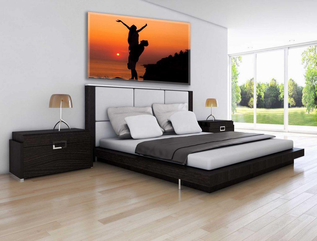 תמונות לחדר השינה - זוגיות בשקיעה | חיוכים - הדפסת קנבס ומגנטים לאירועים